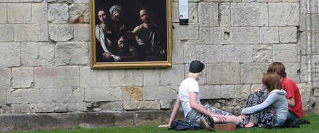 The Grand Tour is a collection of priceless paintings set free around the streets of york by the National Gallery and Hewlett-Packard